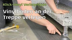 steinteppich verlegen treppe vinylboden an der treppe verlegen