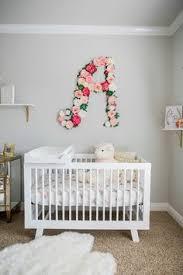 idées déco pour petites filles floral nursery floral letters