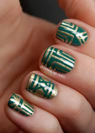 30 striped nail designs and looks to try with