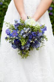 blue wedding bouquets check out this stunning blue wedding bouquet and how to make it