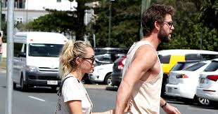 Miley Cyrus Turkey Meme - miley cyrus and liam hemsworth hold hands during australia visit