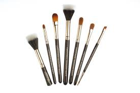 new vegan approved pro makeup brushes by cdb