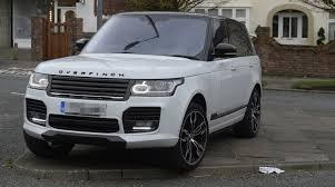 range rover rose gold coleen rooney leaves her 150 000 range rover on top of a traffic
