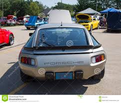 old porsche 928 1985 silver porsche 928 s rear view editorial photography image