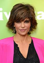 how to style razor haircuts lisa rinna layered razor cut for summer latest popular short