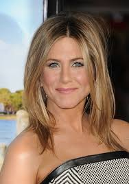 short haircuts hair parted in middle jennifer aniston middle part hairstyles 2013 jennifer aniston