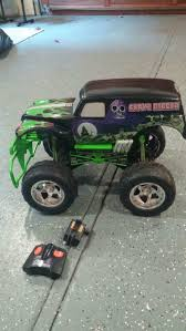 remote control monster truck grave digger tyco r c 7 2v 1 6 2003 grave digger monster truck new battery u0027s a