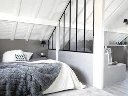 salle de bain dans chambre sous comble chambre sous les toits mesdemoiselles design photo n 56