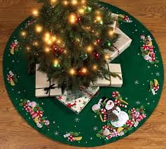 snowman 43 bucilla felt tree skirt kit 86307