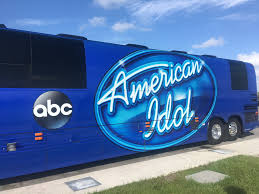 american idol miami auditions kept contestants in the heat miami