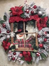 Decorating Outside Window Christmas Wreaths by Best 25 Christmas Wreaths Ideas On Pinterest Diy Christmas