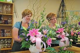 waukesha floral century business keeps family rooted