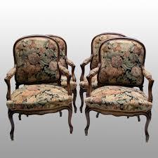 un canapé salon composé de quatre fauteuils et d un canapé d epoque napoleon