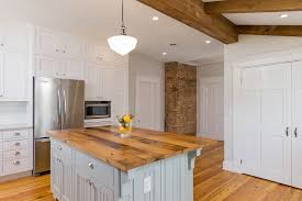 lambris pvc pour cuisine lambris pvc marron chambre lambris gallery of lambris bois brut