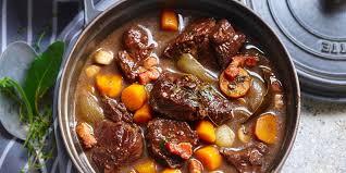 cuisiner le boeuf bourguignon bœuf bourguignon traditionnel recettes femme actuelle