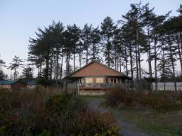 File Quileute Oceanside Resort Cabin JPG Wikimedia mons