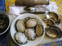cuisiner des ormeaux ormeaux poêlés blinis de méteil et feuilles de céleri cuisine de