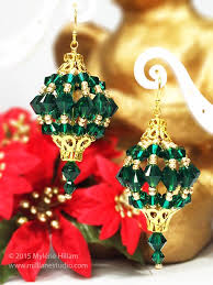 make yourself some big and bold ornaments for your ears this