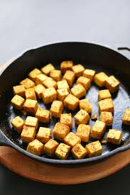 cuisiner le tofu nature easy crispy tofu minimalist baker recipes