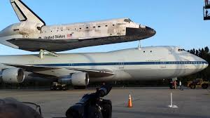 final flight space shuttle discovery and carrier aircraft back