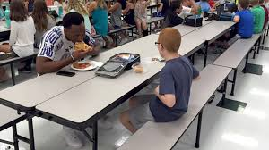 Todays Kids Desk by Football Player Sits At Lunch With Boy Who Has Autism Today Com
