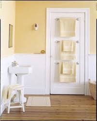 Door Ideas For Small Bathroom 20 Tips For Maximizing Space In Small Bathrooms