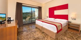 Schlafzimmer Bett M El Martin Zimmer Und Appartements Des Hotels Fuerte Estepona