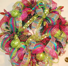 Decorating A Christmas Wreath With Mesh Ribbon by Deco Mesh U2026do You Like It Well I Didn U0027t At First Ladybug