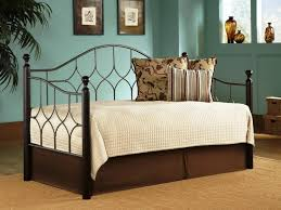 Daybed Bedding Sets For Girls Bedroom Luxury Daybed Bedding With Beige Bed Skirt And Elegant