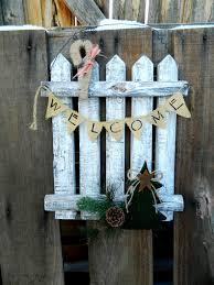 christmas holiday winter rustic picket fence door hanger welcome