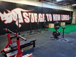 premium powerlifting gym chicago suburbs surge to new levels
