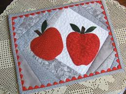 Quilted Mug Rug Pattern 238 Best Mug Rugs And Pads Images On Pinterest Table Runners