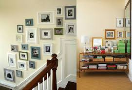 home decors how to arrange pictures and photo frames in your house