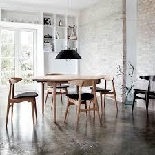 bureau beton ciré salle à manger de style scandinave ambiance loft meubles en bois