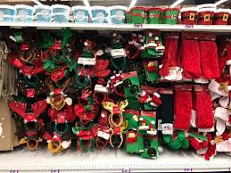 christmas stores christmas is starting to hit the stores 99 cents only stores