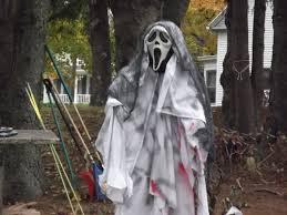creative halloween decorating builds spencer family u0027s fun