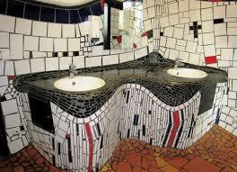 hundertwasser badezimmer wenn in uelzen mal muss frau tonari