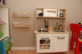 petit coin cuisine nouvelle et cuisine équipée déco d enfant
