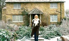 the english cottage kate winslet s english cottage in the holiday