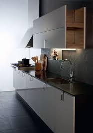 cuisine en bloc aménagement d une cuisine en longueur tout ce qu il faut savoir