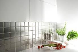 carrelage cuisine design crédence cuisine carrelage inox modèle regular 48