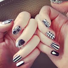 figuras geometricas uñas 40 increíbles y divertidos diseños para lucir unas uñas en blanco y