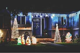 choosing the right outdoor christmas decorations outdoor