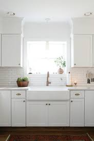 Kitchen Sinks With Backsplash Farmhouse Sink With Overhead Pendant Light By Rafterhouse