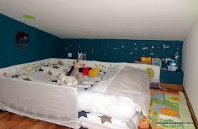 chambre bébé montessori chambre montessori 18 mois coussin matelas el bodegon