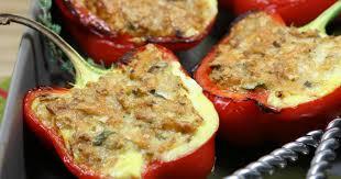 cuisiner les poivrons recette poivrons rouges farcis au thon et au fromage râpé sublime