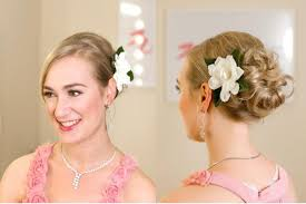 bridesmaid hairstyle short hair women medium haircut