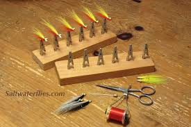 Diy Fly Tying Desk Saltwater Fly Tying Fishing Tips And Tricks Saltwaterflies