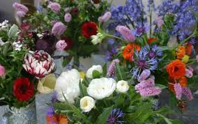 12 best flowers to grow for cutting bouquet flowers cosmos and
