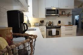 Quartz Kitchen Countertops Reviews Choosing Quartz Countertops A Review And Options Dahlias And Dimes